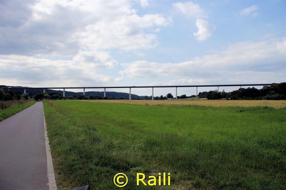 Ruhrtal mit Ruhrtalbrücke