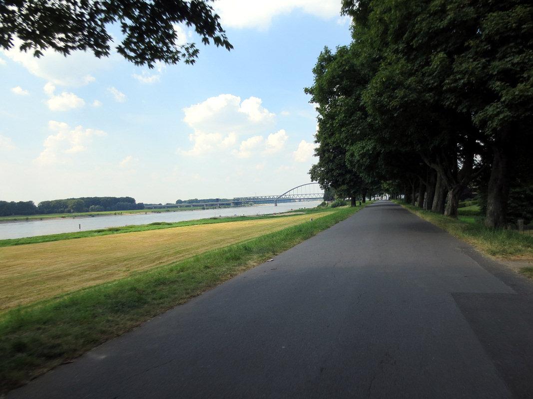 Düsseldorf Hamm - Eisenbahnbrücke
