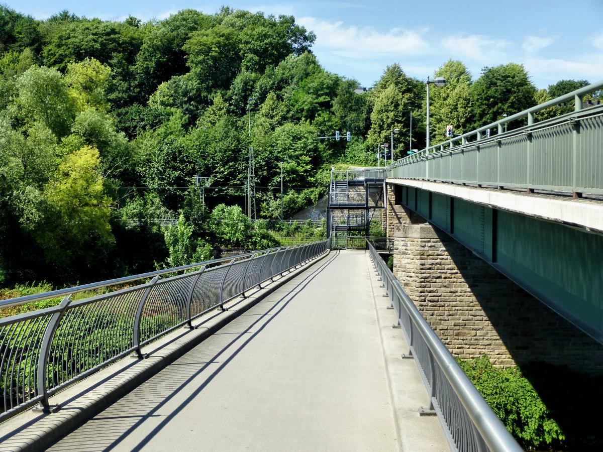 Ruhrbrücke Brücke bei Wetter